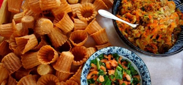 Pie tees with jicama, carrot, pork and dried shrimps