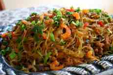 Spicy mung bean vermicelli with pork, lemongrass and kaffir lime leaf, gluten free