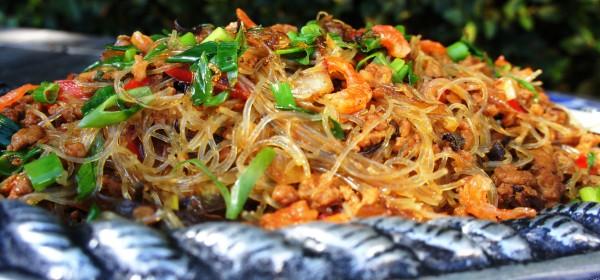 Mung bean vermicelli with dried shrimps, wood ear fungus, lemongrass and kaffir lime leaf.
