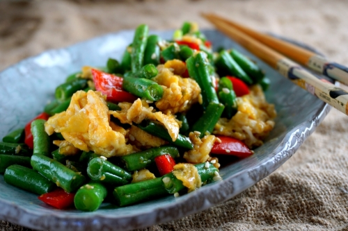 Green beans and eggs, with oyster sauce (low FODMAP)