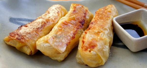 Traditional tofu skin rolls with chicken, tofu, onion, ginger, garlic and coriander 鮮竹卷