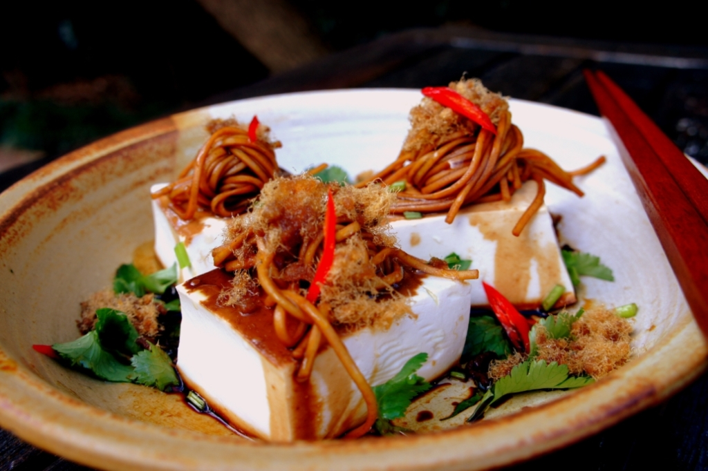 Steamed tofu with pork floss (肉松), noodles, soy & vinegar