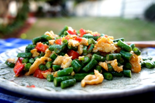 Green beans and eggs 'chop suey' stir fry with oyster sauce (low FODMAP)