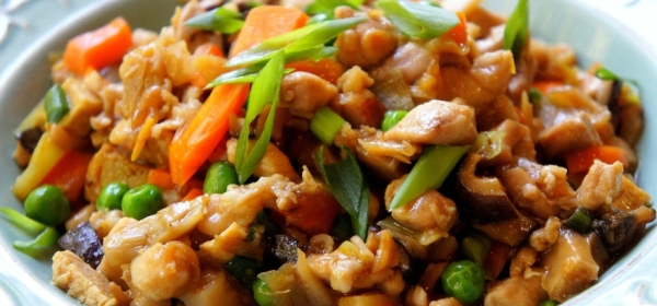 Chicken chop suey with Chinese radish, Chinese mushroom and lily bud