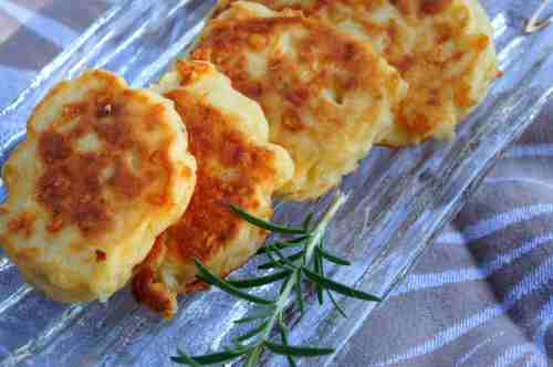 Rice cake with potato, cheddar, rosemary & coconut milk