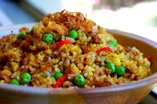 Fragrant yellow fried rice (nasi kuning inspired)