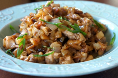 Chop suey with chicken and Chinese vegetables