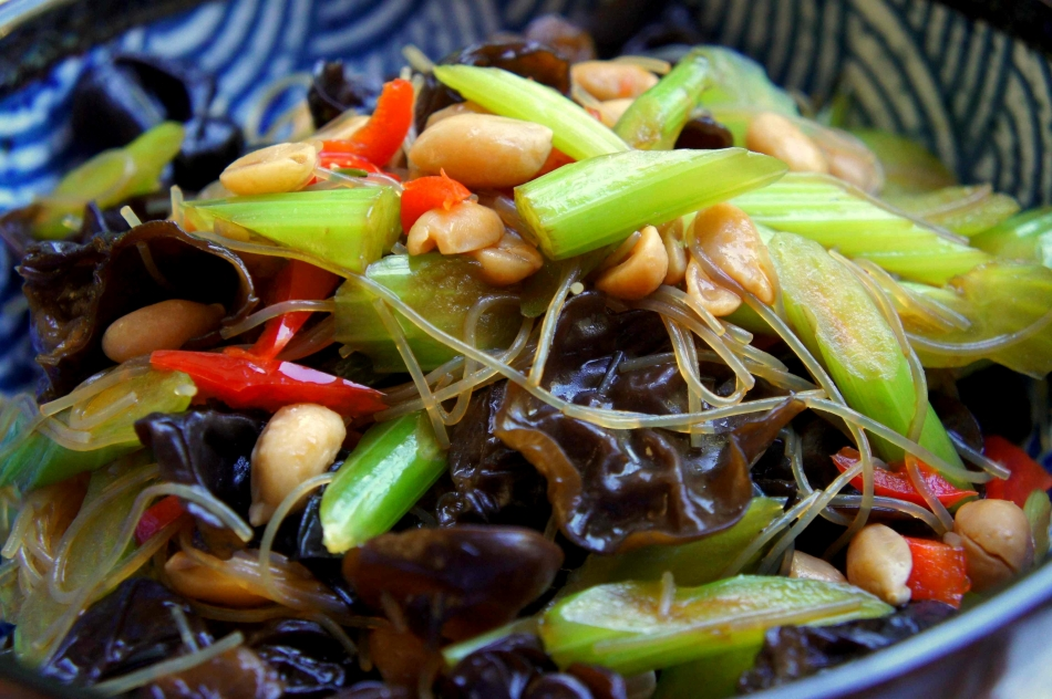 Celery salad with black fungus and peanuts (Liang Ban 涼拌) (vegan)