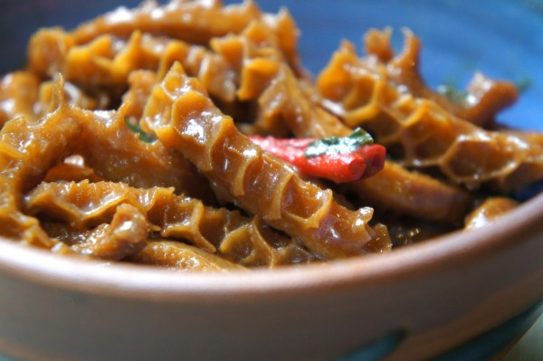 Chilled spicy tripe 'liangban' salad with soy sauce, sesame oil and vinegar