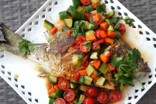 Fried fish with chili and tomato sauce (FODMAP Friendly)