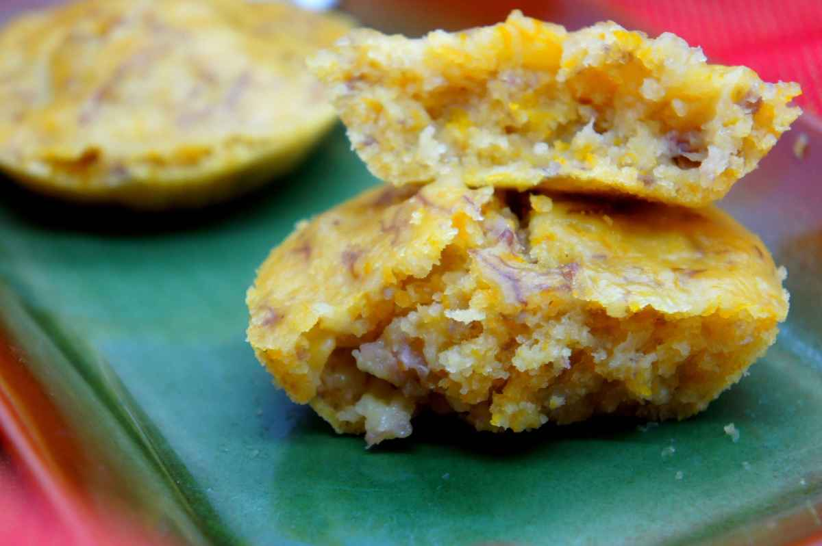 Steamed rice cake with banana, pumpkin and coconut milk, low FODMAP, gluten free