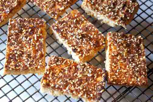 Sesame and peanut slice