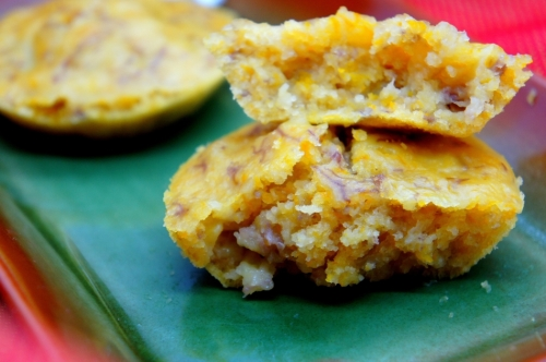 Steamed banana and pumpkin rice cake with coconut milk (low FODMAP, gluten free, vegan)