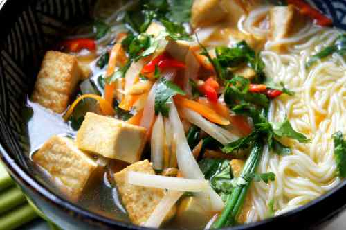 Tofu & rice noodle soup, with radish, carrot, spinach, FODMAP diet, gluten free, vegan