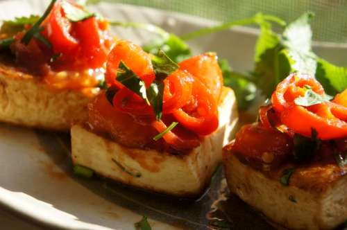 Pan fried tofu with chili & tomato salsa (FODMAP diet)