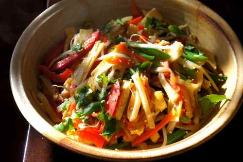 Tofu with bamboo shoot, bean sprout, potato, carrot, capsicum and sesame