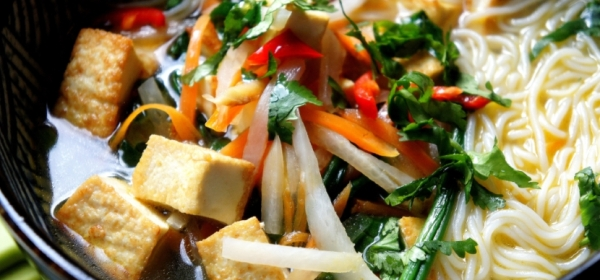 Tofu and noodle soup (low FODMAP, gluten free, vegan)
