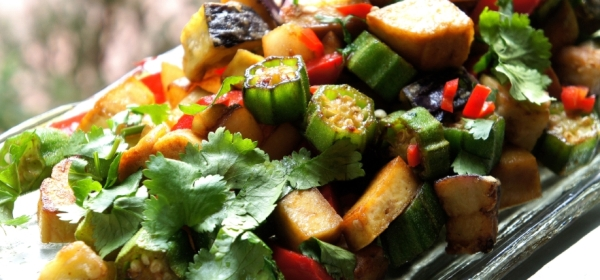 Tofu chop suey with okra, eggplant and radish (low FODMAP, gluten free, vegan)
