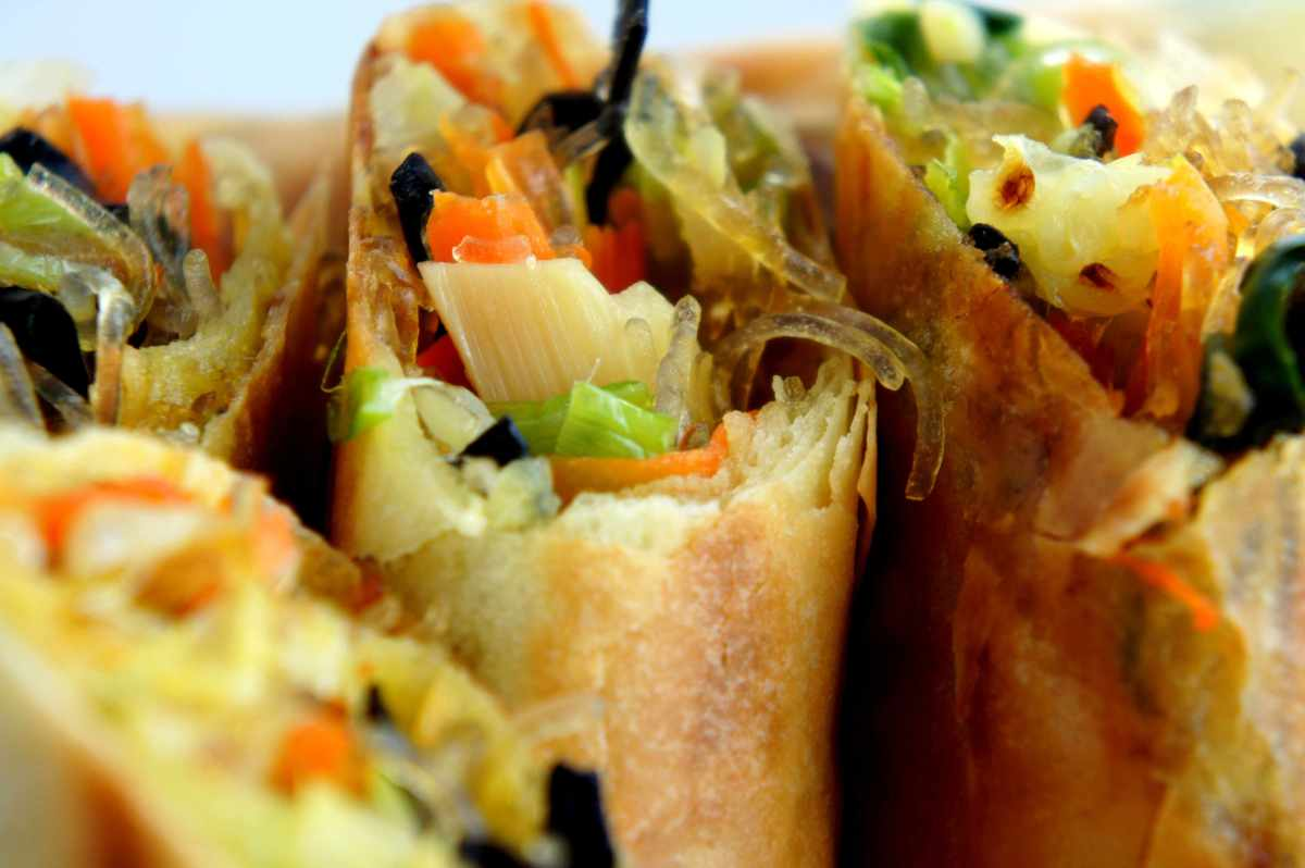 Pan fried spring rolls with cabbage, carrot, leek, bamboo shoot, fried shallot, mung bean, wood ear & shrimp shells