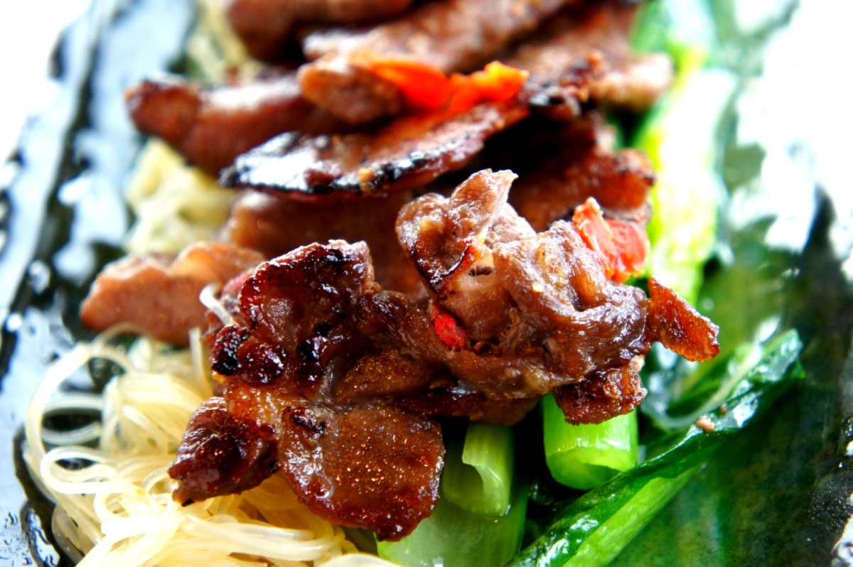 Ginger pork with soy sauce and sesame oil (low FODMAP, gluten free)