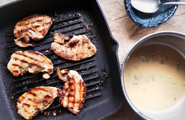 Grilled pork with ginger, white wine, soy sauce and sesame oil