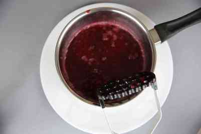 Making raspberry coulis