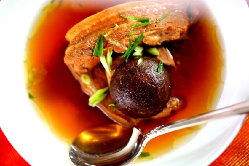 South sea meat and bone soup (bak kut teh,肉骨茶)