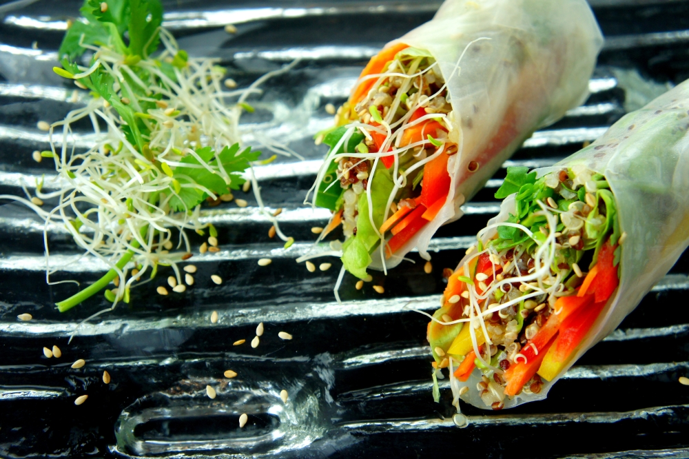 Rice paper roll with quinoa, coriander, alfalfa, carrot, lettuce, capsicum, sesame seed and sesame oil, low FODMAP, gluten free, vegan