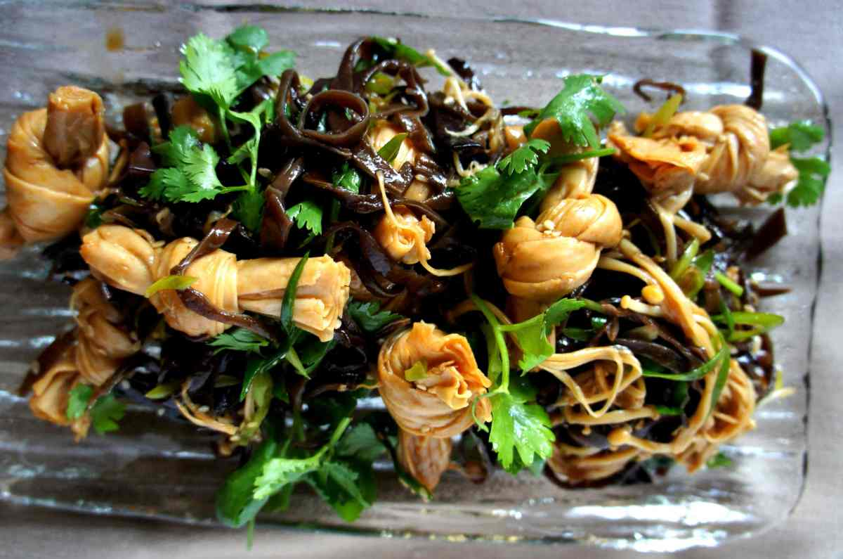 'LiangBan' salad of tofu knots, enoki mushrooms & wood ear fungus
