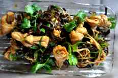 'LiangBan' salad of tofu knots, enoki mushrooms & wood ear fungus