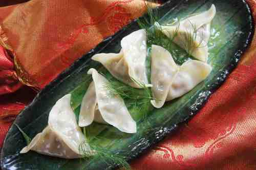 Steamed pork and fennel dumplings 茴香饺子