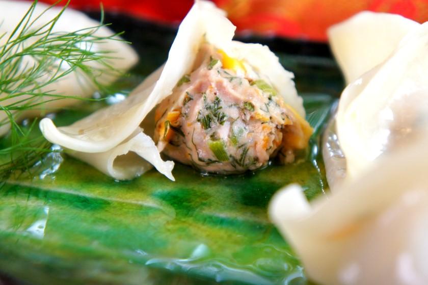 Steamed pork and fennel dumplings 豬肉韭菜餃子