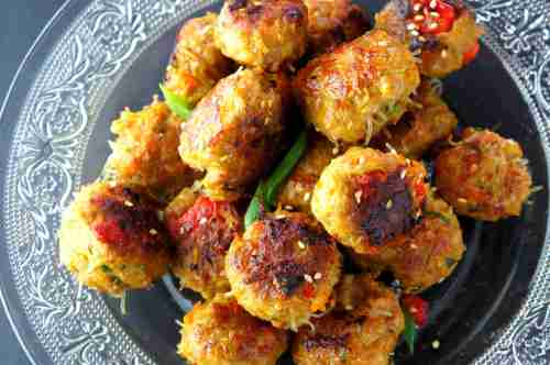 Spiced meat balls with pumpkin, rice vermicelli, carrot and capsicum