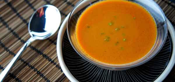 Creamy spicy tomato soup, with roasted tomatoes, chili and coconut milk