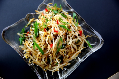 Simple bean sprout salad with soy sauce, sesame oil and sesame seeds (low FODMAP, gluten free, vegan)