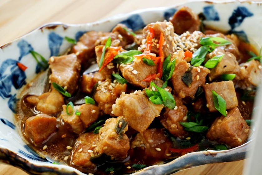 Steamed pork with soy sauce, sesame oil, sesame sees, white wine, shallot and chili