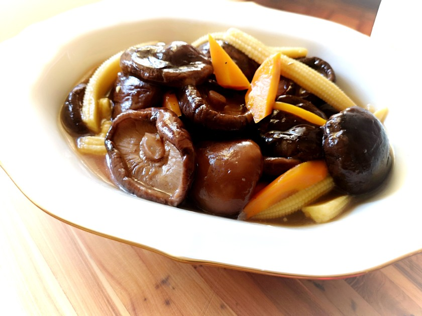 Chinese mushroom with oyster sauce