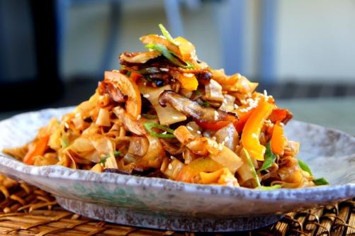 Stir fried tofu skin 腐竹 with Chinese mushroom 香菇 and capsicum (gluten free, vegan)