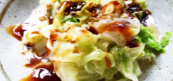 Blanched lettuce with oyster sauce