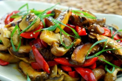 Chinese mushroom, fresh mushroom and capsicum stir fry, with oyster sauce