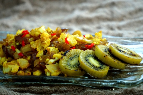 Saute spiced cauliflower, with grilled kiwi fruit  (gluten free, vegan)