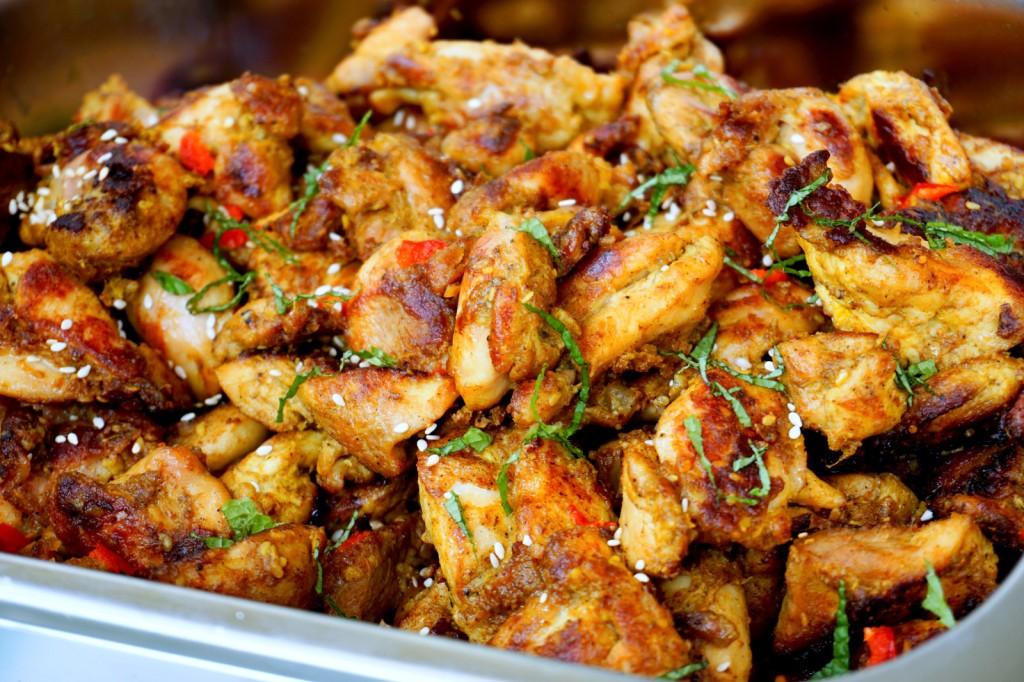 Grilled chicken fillets with cumin, turmeric, garam masala, mustard oil, sesame oil, ginger and garlic paste.