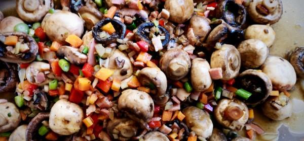 Sautéed mushrooms with bacon, onion, garlic, capsicum