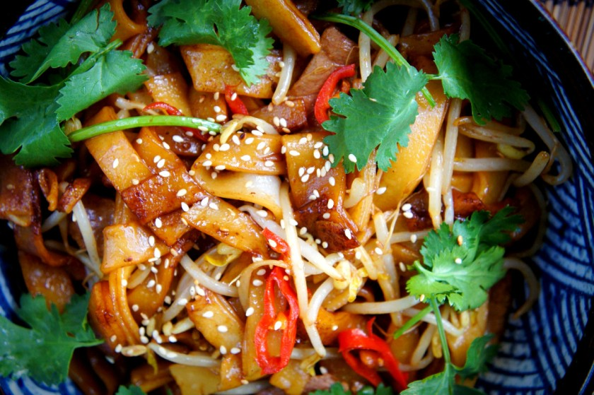 Dry-fried Beef rice noodles 'hor fun'
